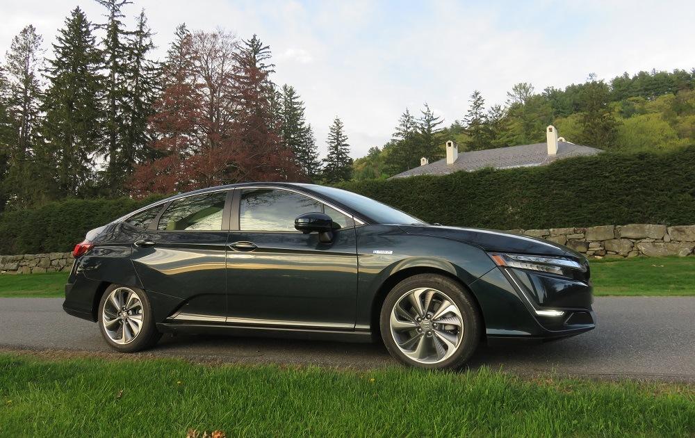 2018 Honda Clarity Plug In Hybrid Eric Schaal The Cheat Sheet