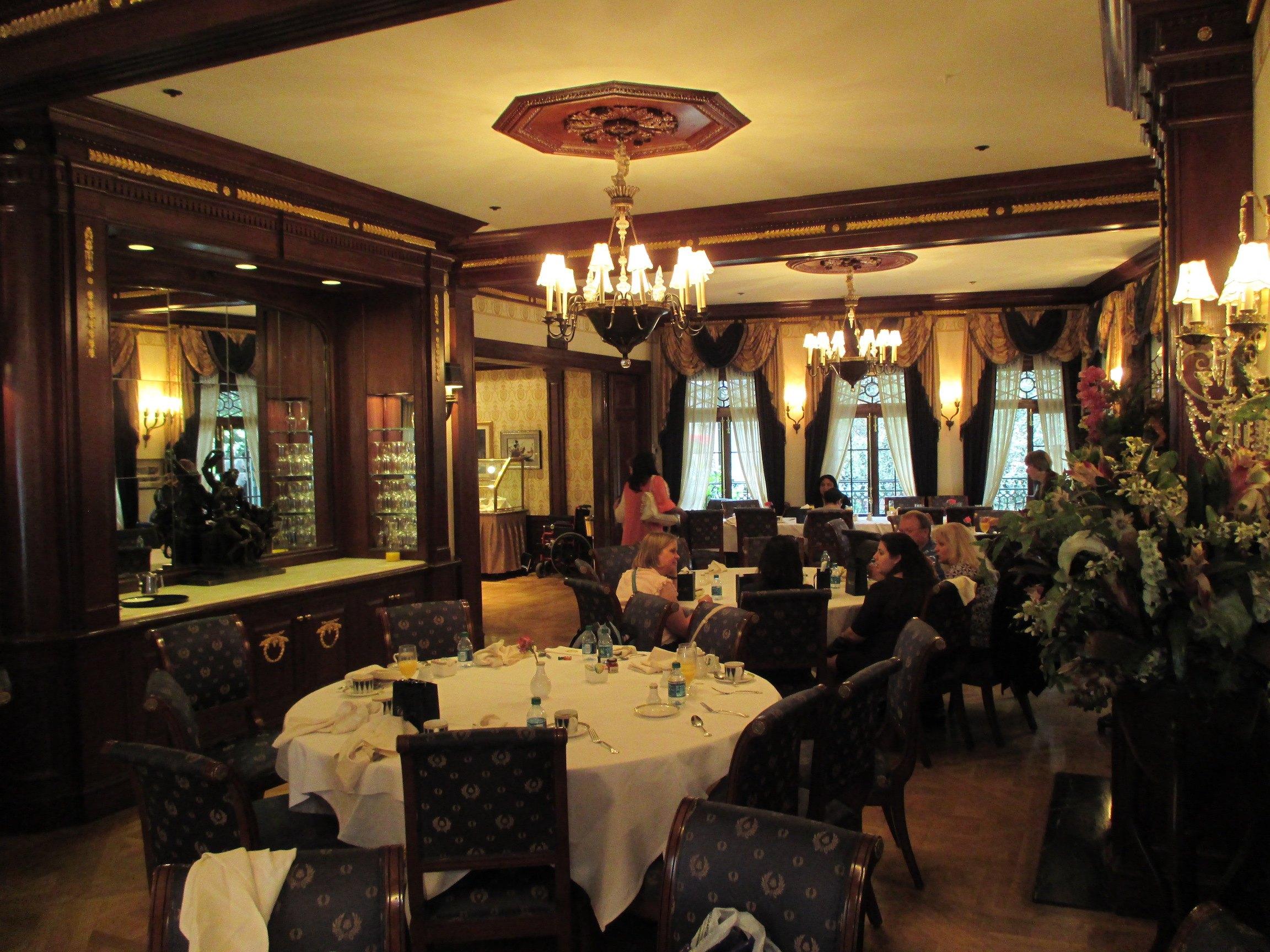Club 33 dining