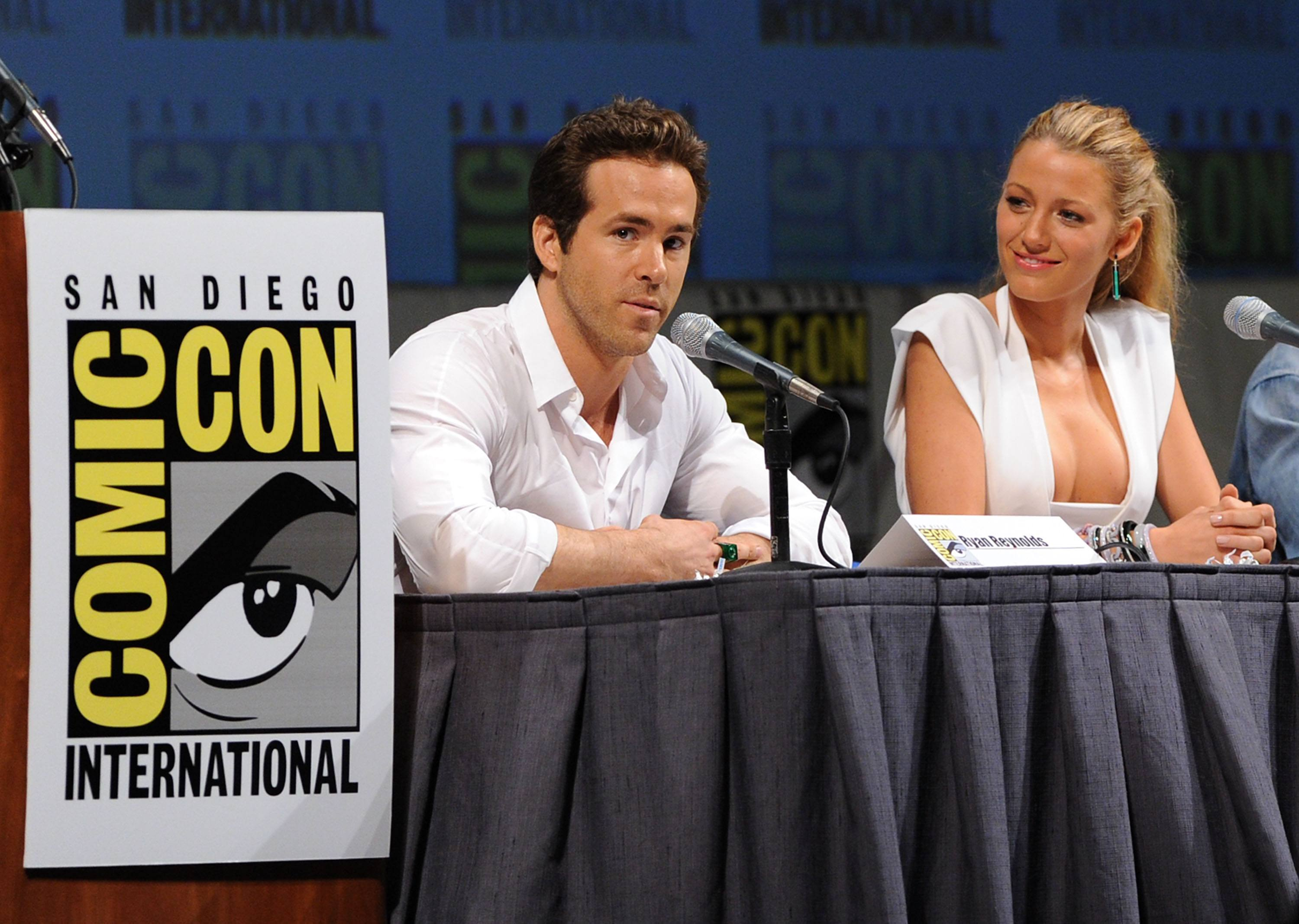 Ryan Reynolds and Blake Lively at Comic-Con in 2010