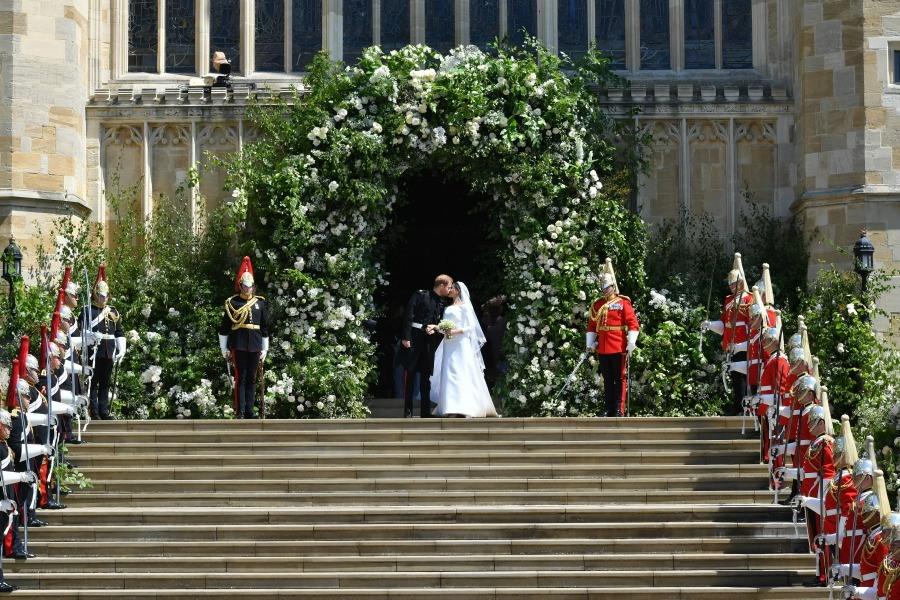 Prince Harry and Meghan Markle on chapel steps