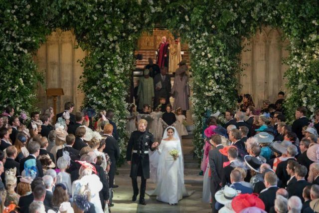 Prince Harry and Meghan Markle exit chapel