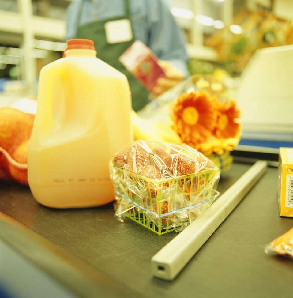Groceries on conveyor belt