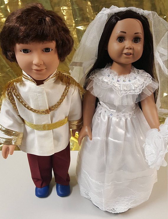 Harry and Meghan dolls