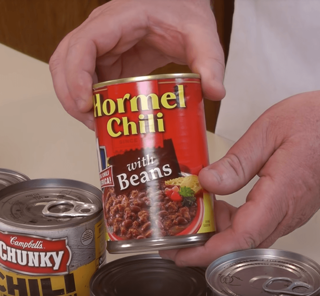 A can of Hormel Chili