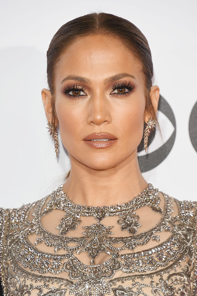 Jennifer Lopez attends the People's Choice Awards 2017 at Microsoft Theater on January 18, 2017 in Los Angeles, California.