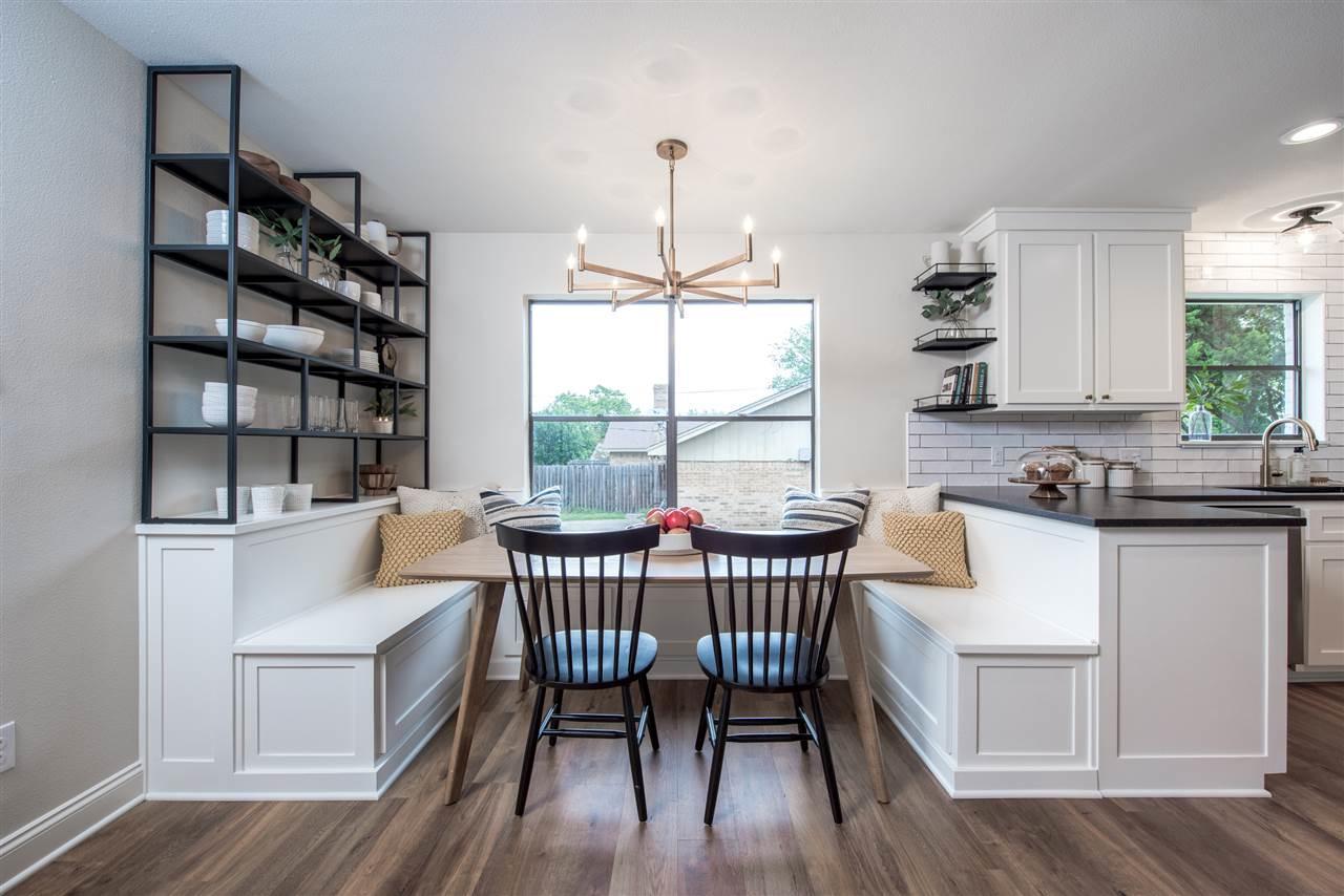 Magnolia House kitchen nook