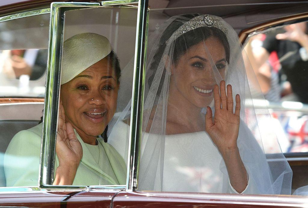 Meghan Markle (R) and her mother, Doria Ragland, arrive for her wedding ceremony