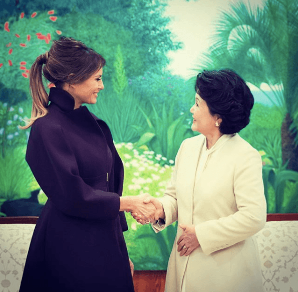 Melania Trump greeting first lady Kim