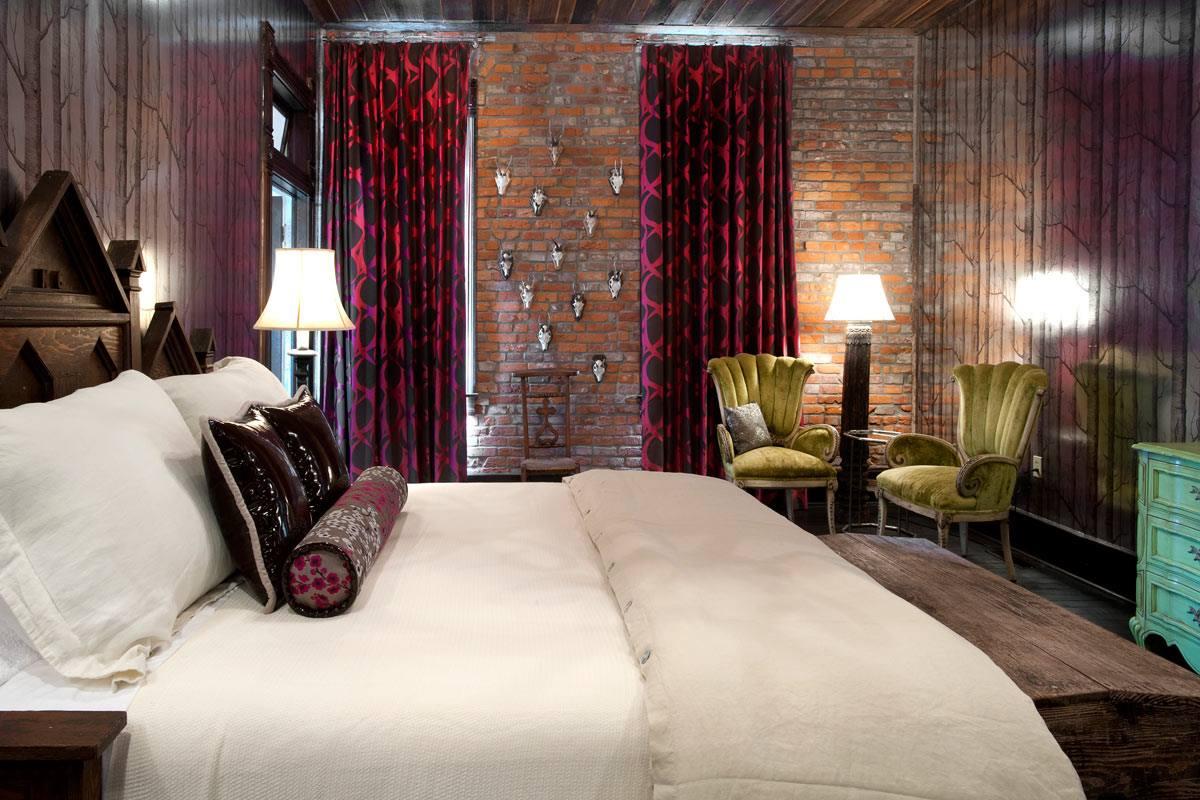 Miranda Lambert bed and breakfast