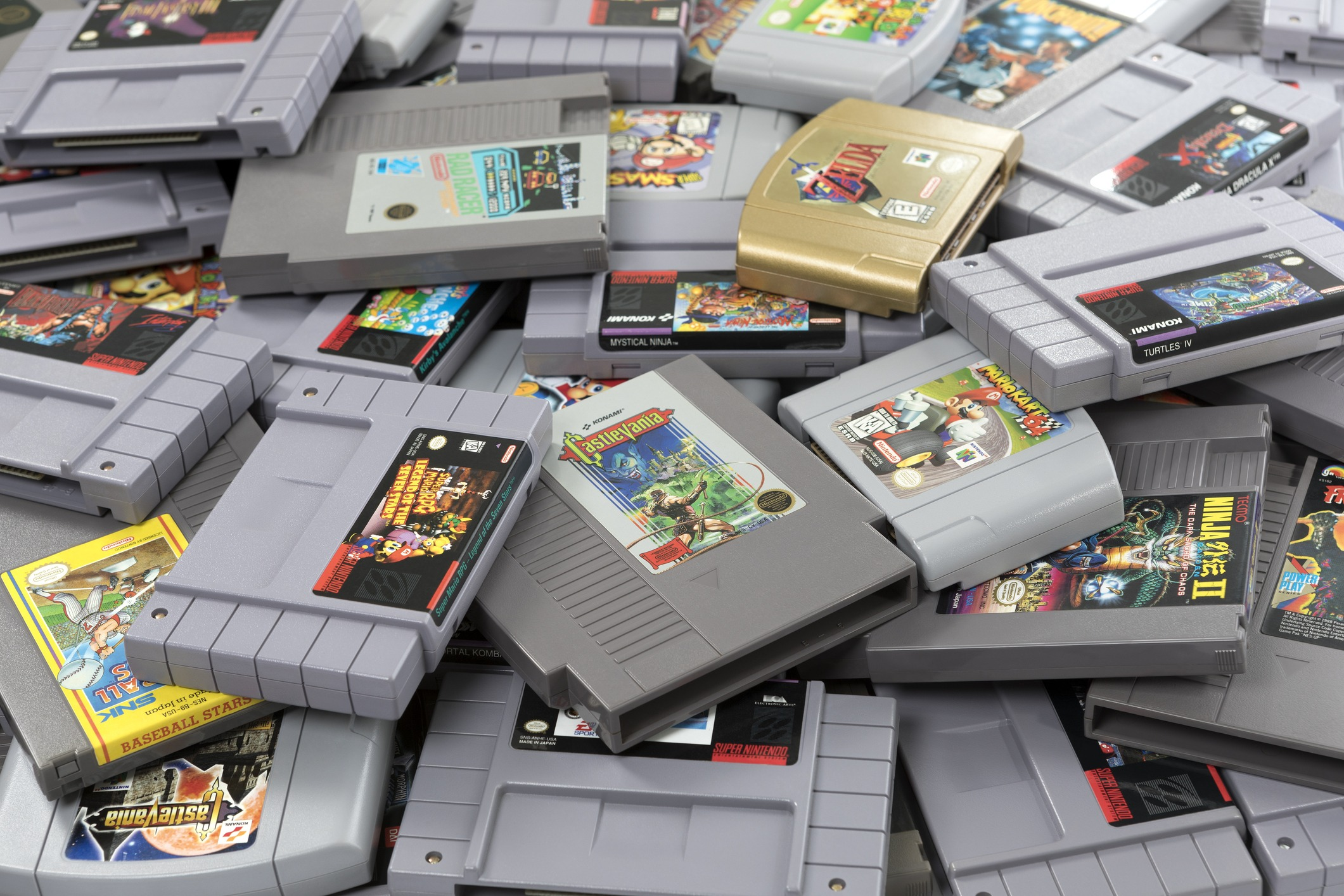 A Heap of Old Video Game Cartridges