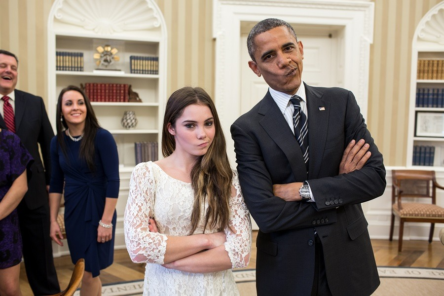 Obama-posed-with-McKayla-Maroney
