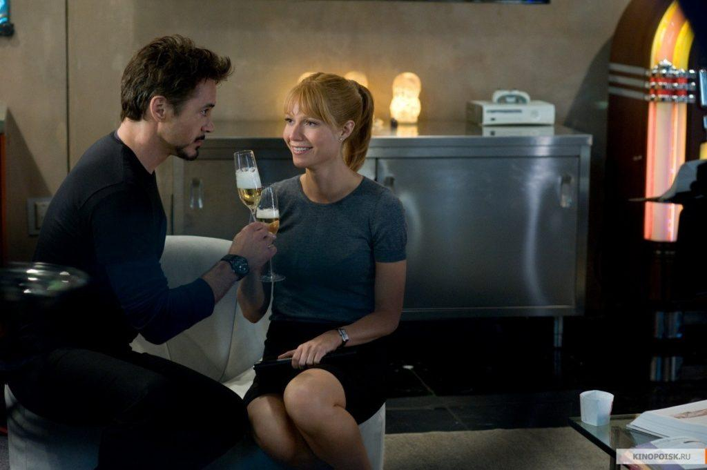 Pepper Potts and Tony Stark in Iron Man