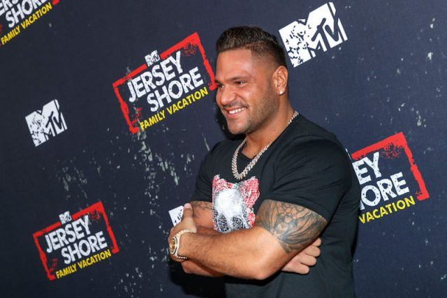 Ronnie Ortiz-Magro posing on a red carpet.