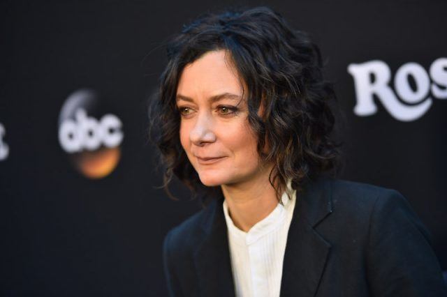 Sara Gilbert on a red carpet.