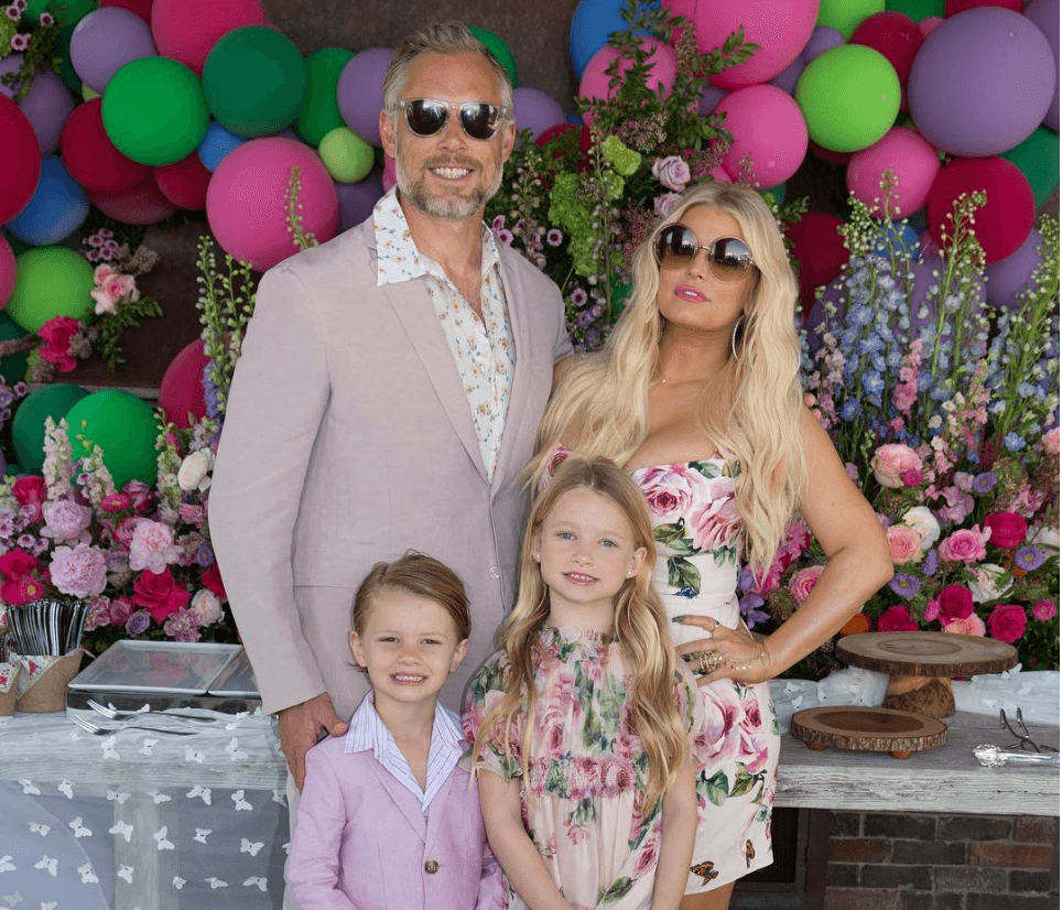 Jessica Simpson Goes On An Instagram Rampage Posting