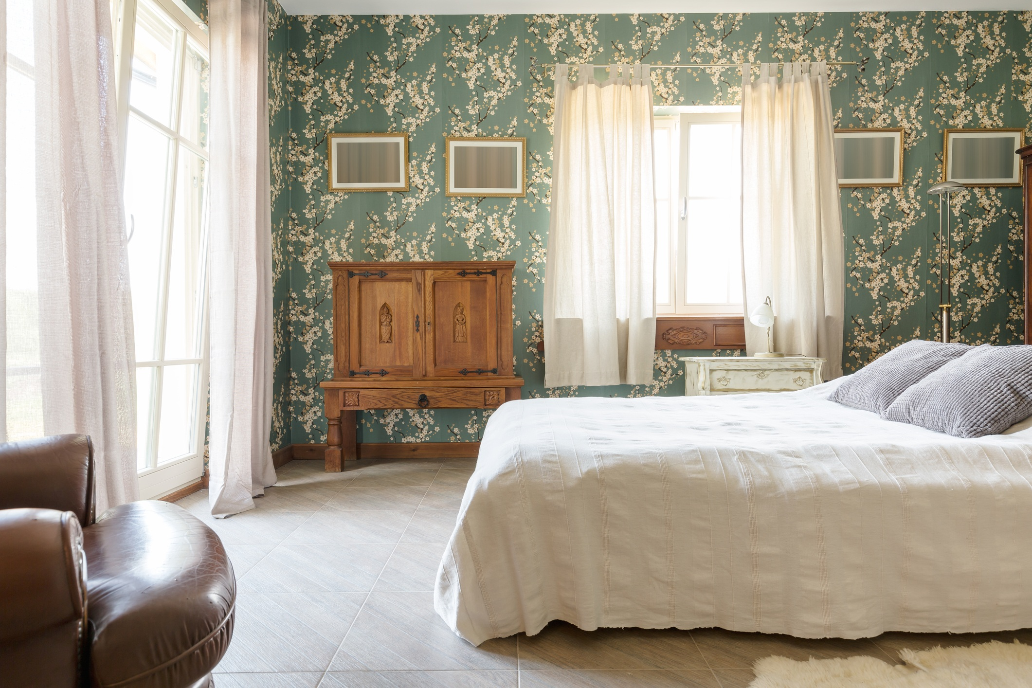 Magnificent bedroom for grand personalities