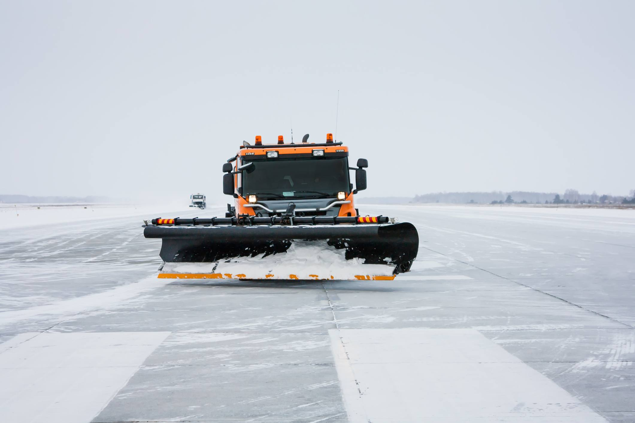 Snow machines on the winter runway