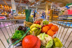 Beat the Crowds With These Grocery Store Checkout Line Hacks