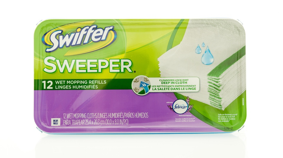 Package of Swiffer sweeper wet mopping refills