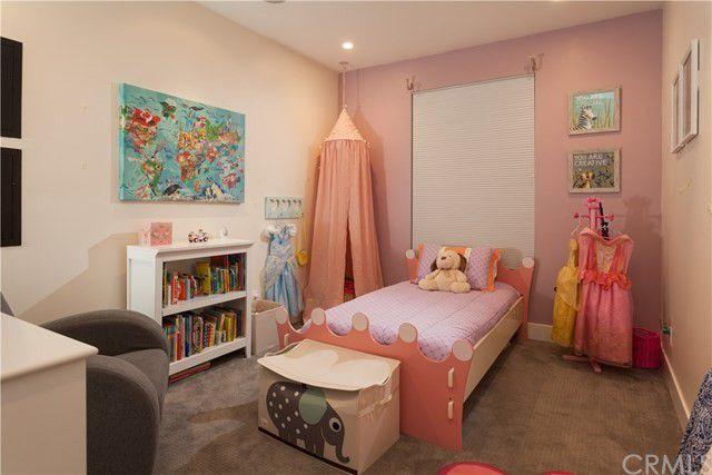 Tarek El Moussa home daughter's room