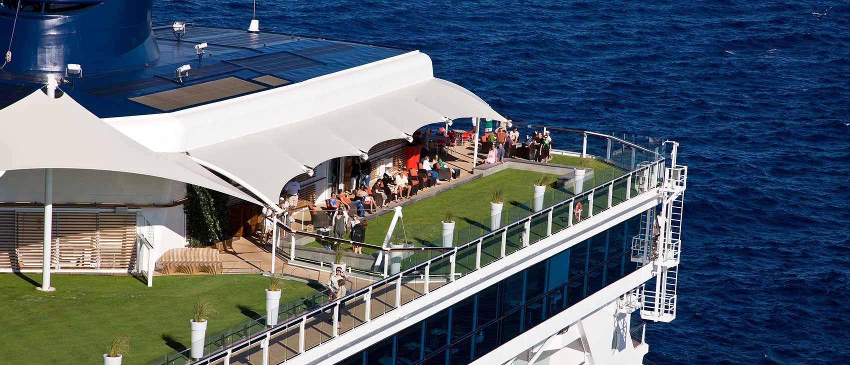 The Lawn Club | Celebrity Cruises