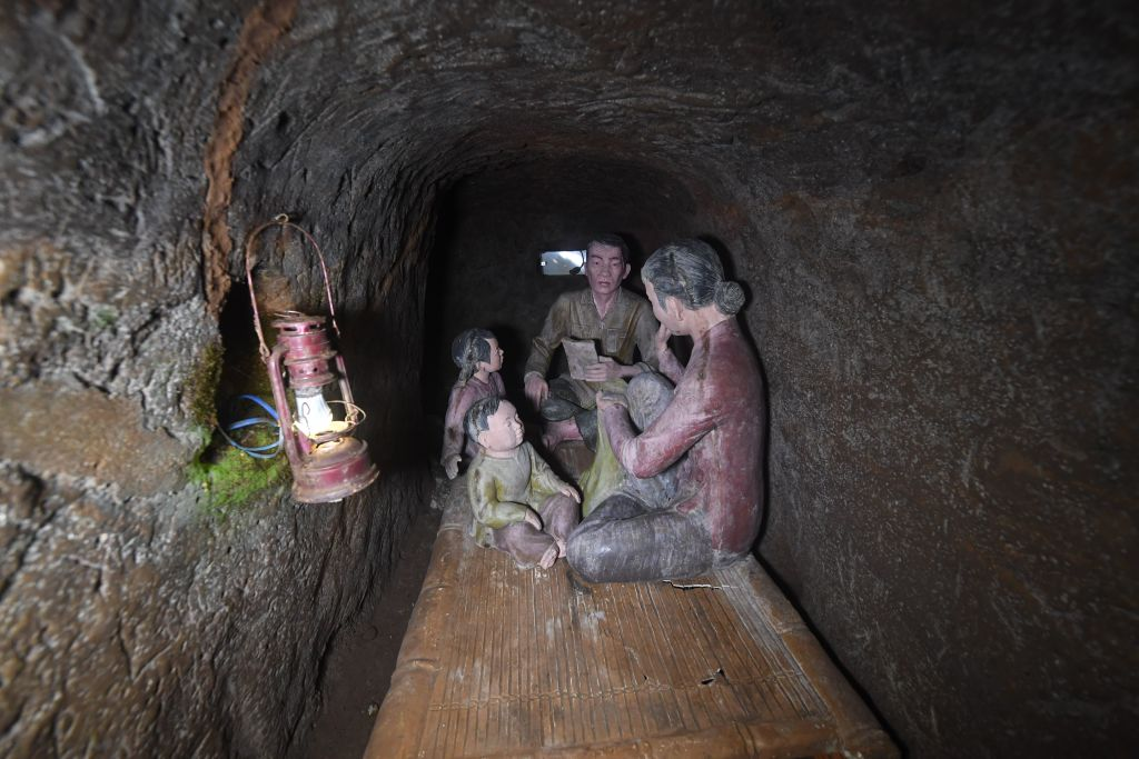 concrete models illustrating daily life inside the tunnels during war time