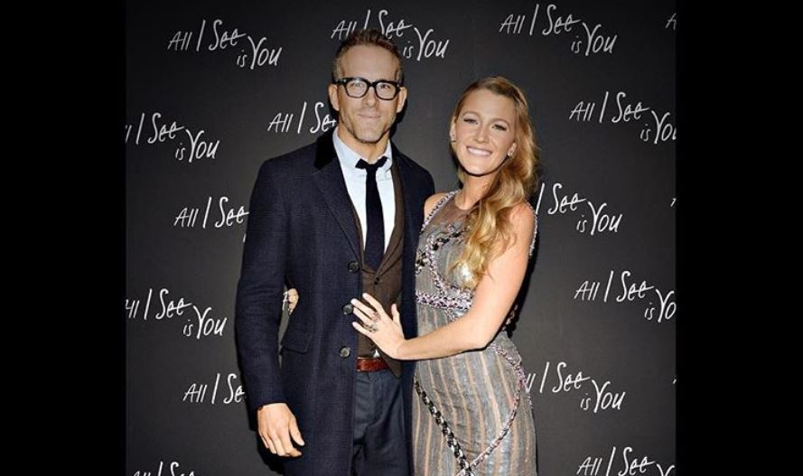 Blake Lively and Ryan Reynolds pose
