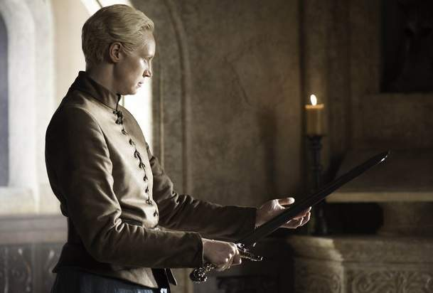 Brienne of Tarth holding Oathkeeper on Game of Thrones