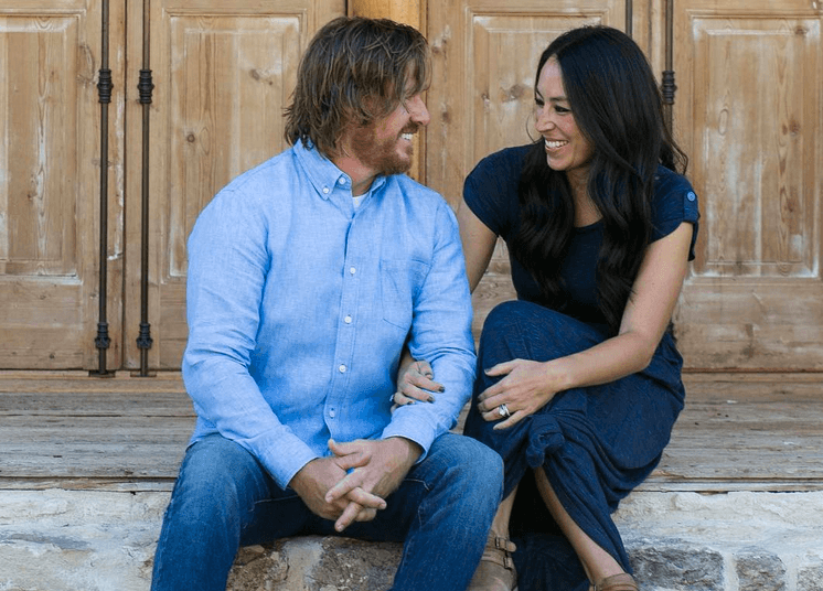 5 items from chip and joanna gaines 39 fall collection that totally missed the mark. Black Bedroom Furniture Sets. Home Design Ideas