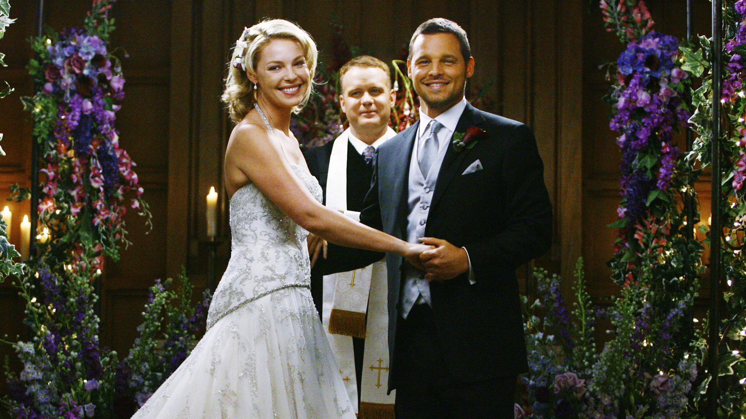 Izzie and Alex get married on Grey's Anatomy