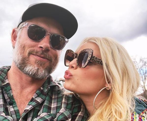 Jessica Simpson and Eric Johnson in a selfie.
