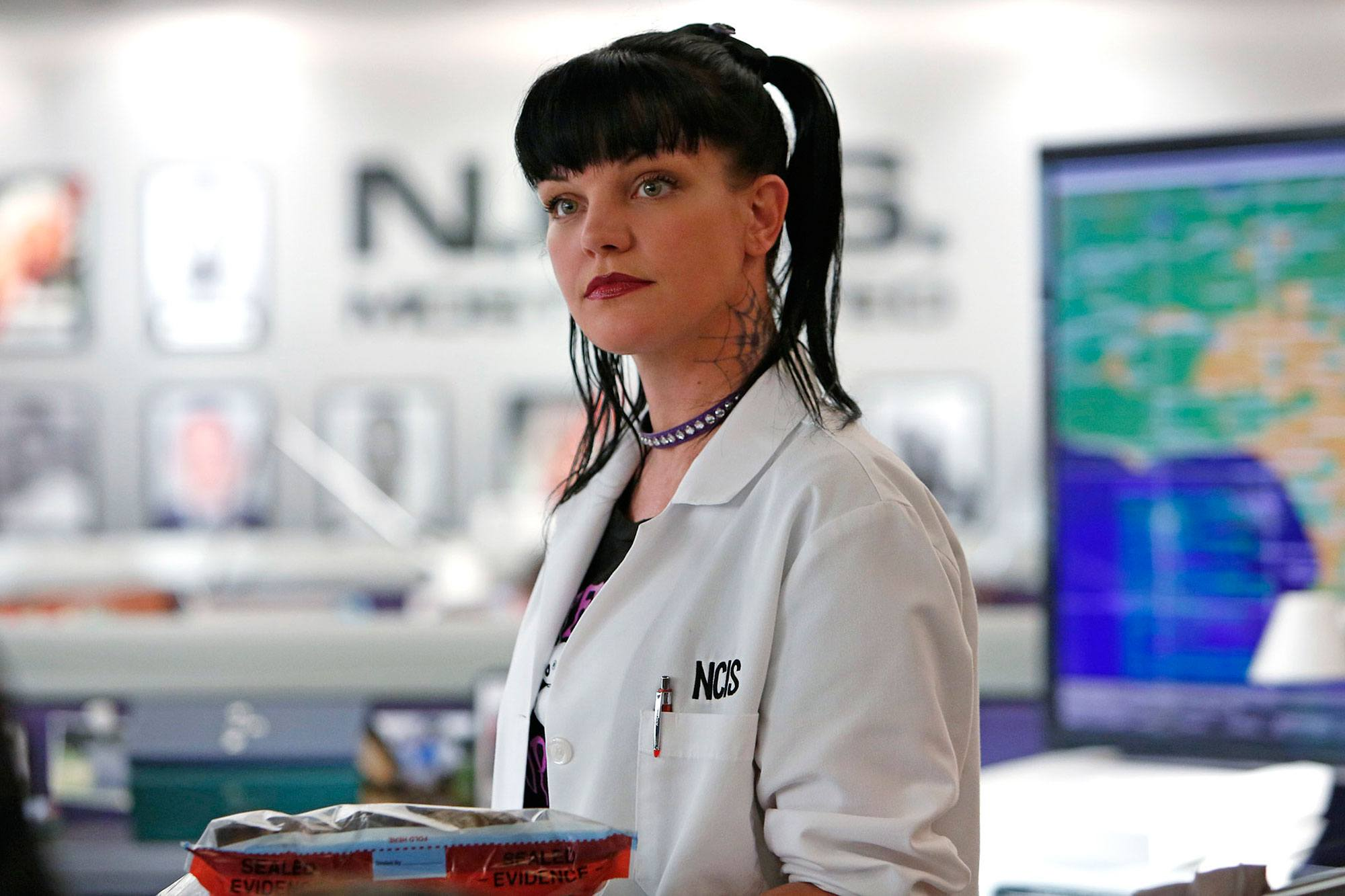 """LOS ANGELES - AUGUST 14: """"Under the Radar"""" -- The NCIS team must rely on Twitter for a case involving a missing Navy Lieutenant, on NCIS, Tuesday, Oct. 8 (8:00-9:00 PM, ET/PT) on the CBS Television Network. Pictured: Pauley Perrette. (Photo by Cliff Lipson/CBS via Getty Images)"""