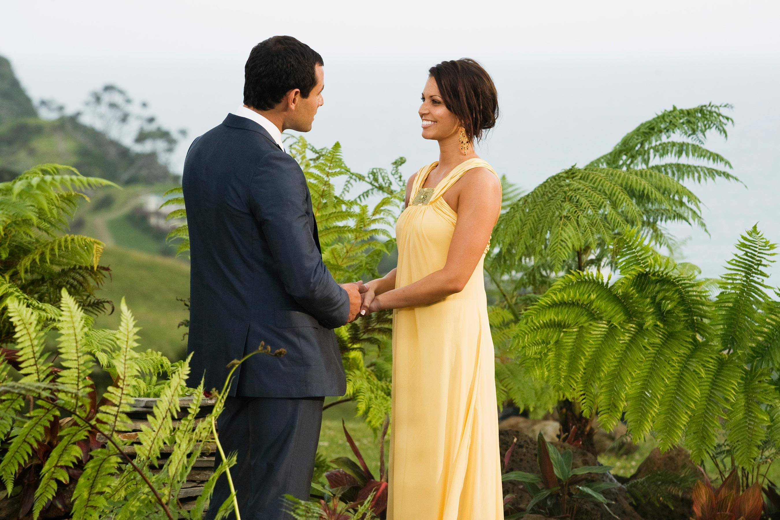 """THE BACHELOR - """"Episode 1308"""" - In this gripping special conclusion, Jason prepares to make one of the most difficult decisions of this life. With his search for love now narrowed down to Melissa and Molly, Jason brings his son, Ty, to New Zealand to meet the remaining two women. The bachelorettes are also introduced to his family. Finally, the women lay their hearts on the line, each trying to guarantee that she will be the one to get Jason's final rose. But the Bachelor is stunned when DeAnna, the woman who broke his heart, shows up in New Zealand to see him. In one of the most romantic and dramatic moments in """"Bachelor"""" history, Jason makes a decision that will change his life forever, on the season finale of """"The Bachelor,"""" MONDAY, MARCH 2 (8:00-10:02 p.m., ET), on the ABC Television Network. (ABC/MATT KLITSCHER)"""
