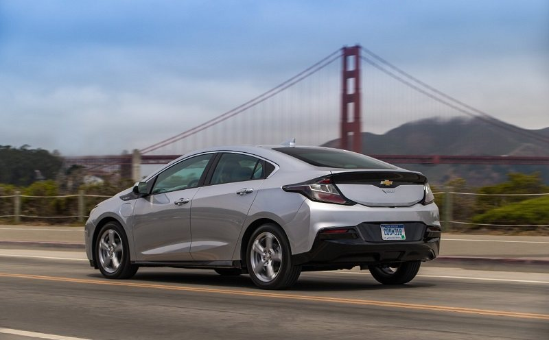 How The 2019 Chevrolet Volt Compares To Honda Clarity And Prius Prime