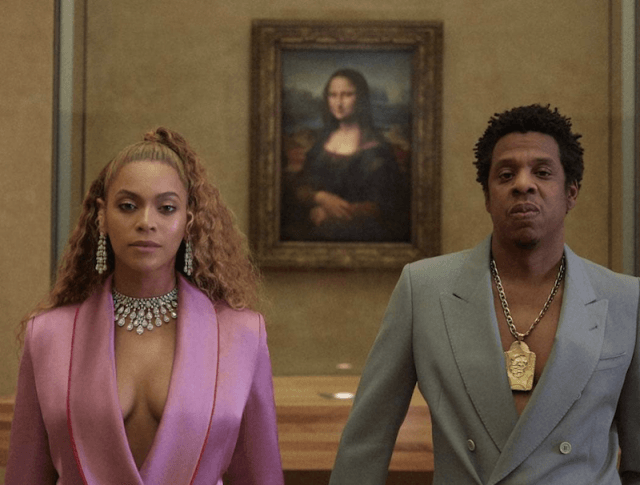 Beyoncé and JAY-Z in the Apesh*t music video.