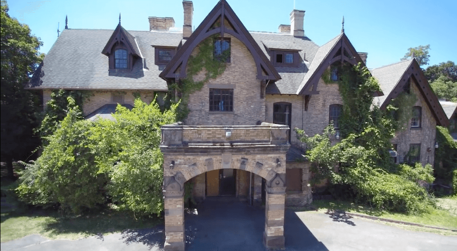 These Are the Most Gorgeous Abandoned Mansions Across