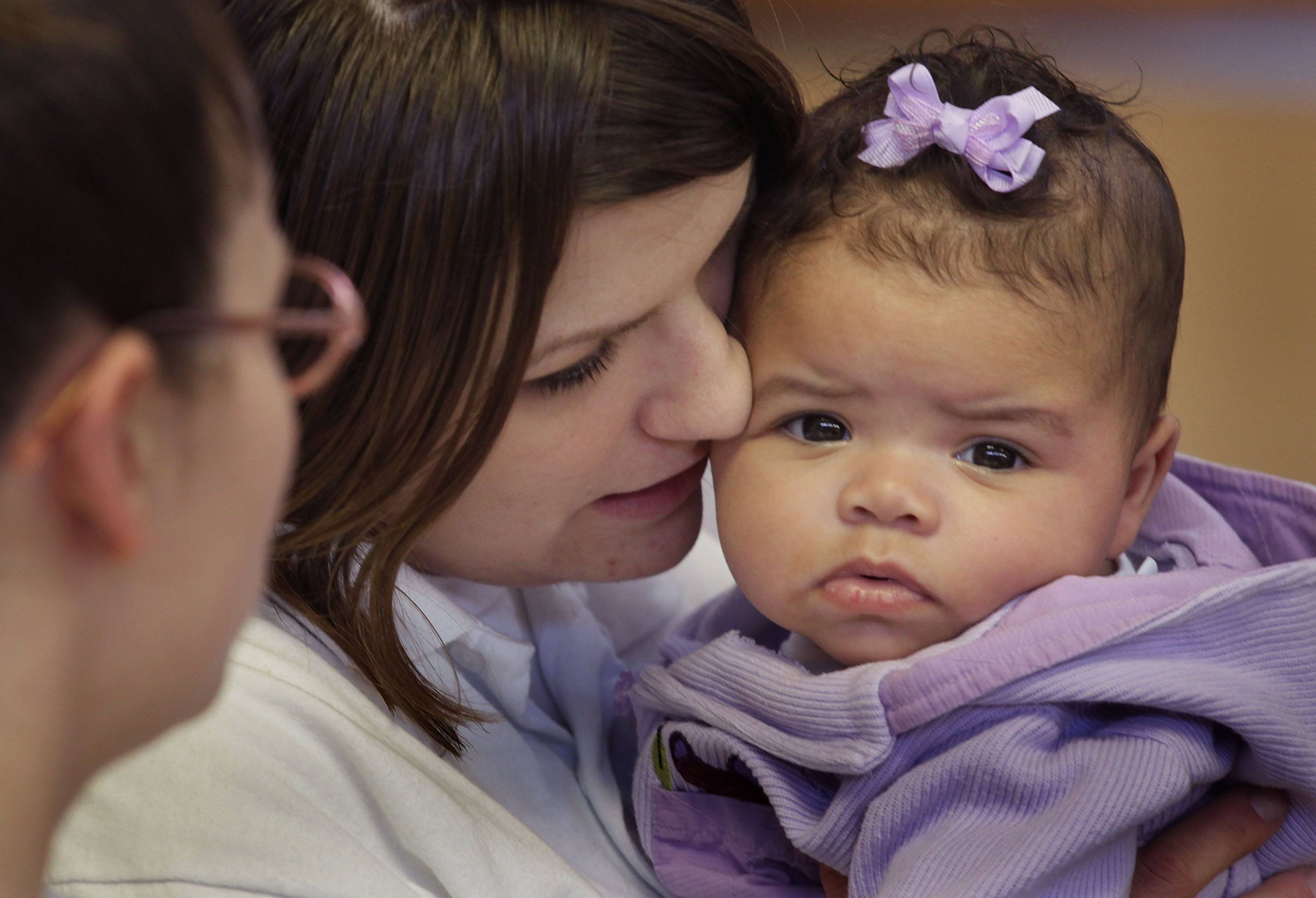 Incarcerated Women Allowed To Keep Newborns In Illinois Pilot Program