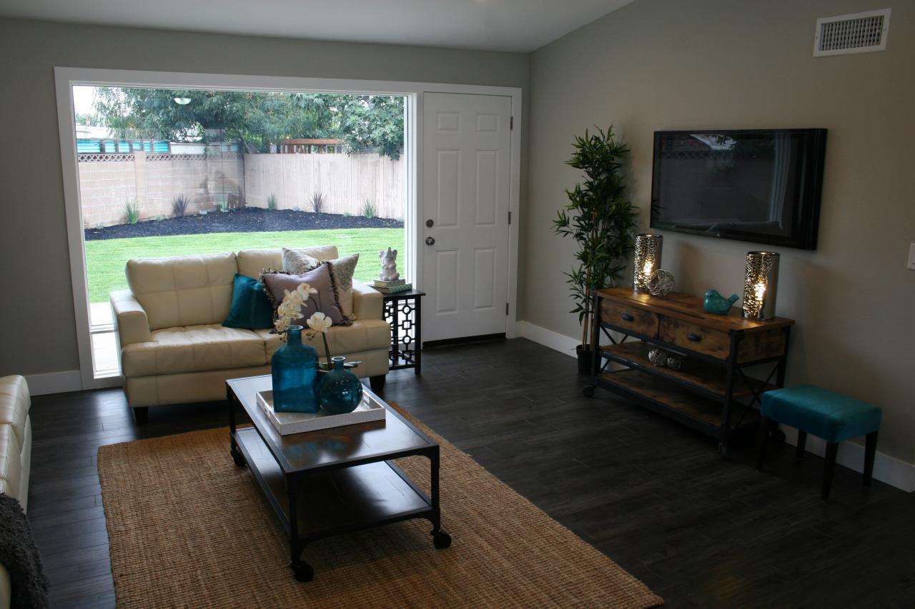 Flip or flop living room