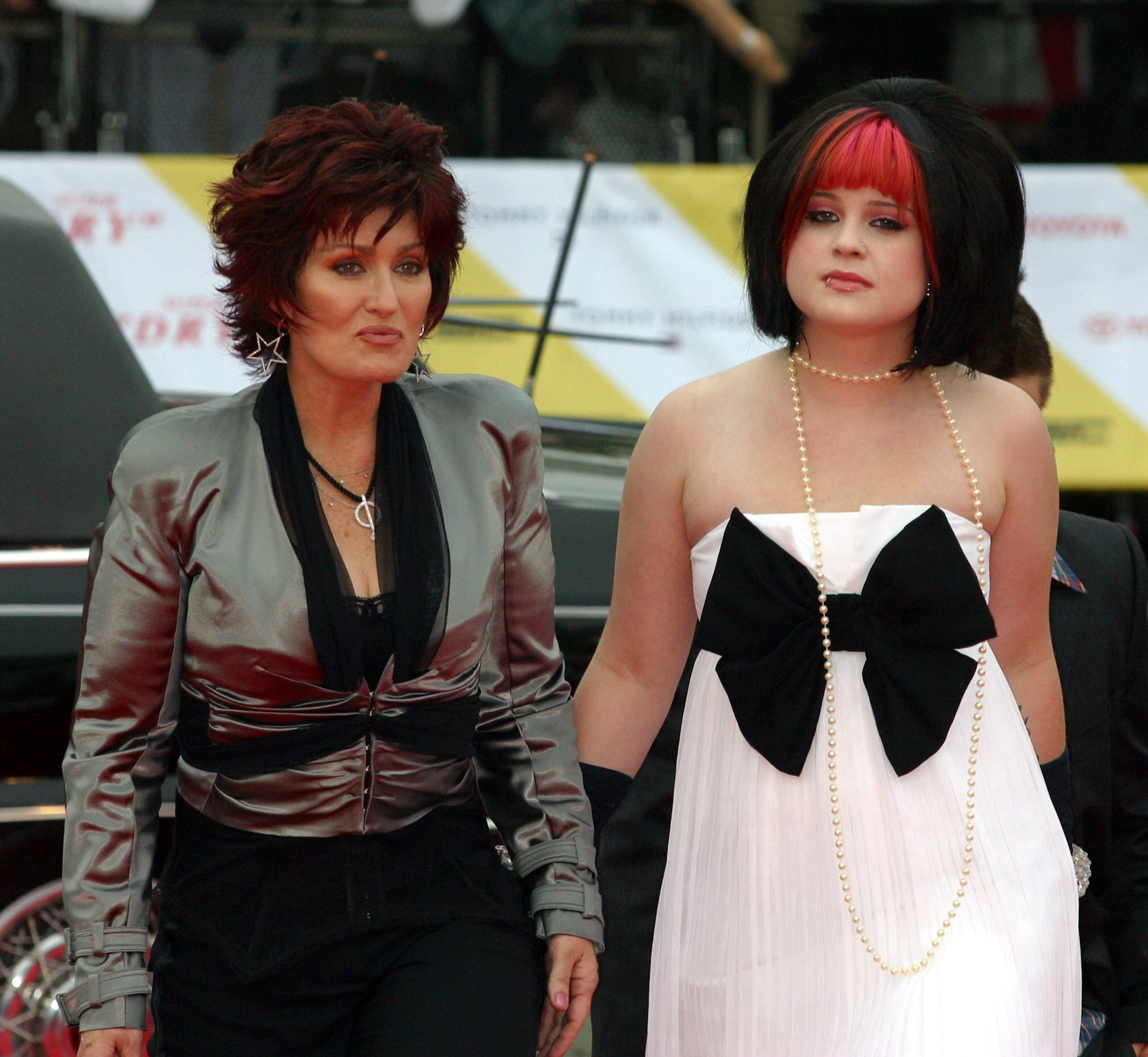 Sharon and Kelly Osbourne arrive at the MTV Video Music Awards Japan 2004 on May 23, 2004 in Tokyo, Japan.