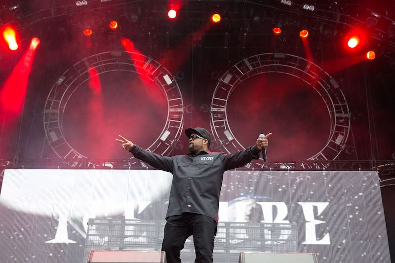 Ice Cube performs on Day 2 of the 2017 ACL Music Festival held at Zilker Park in Austin, Texas, on October 7, 2017. / AFP PHOTO / SUZANNE CORDEIRO (Photo credit should read SUZANNE CORDEIRO/AFP/Getty Images)