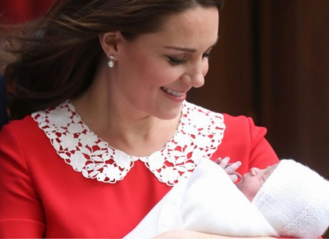 Catherine, Duchess of Cambridge departs the Lindo Wing with her newborn son Prince Louis of Cambridge at St Mary's Hospital on April 23, 2018 in London, England