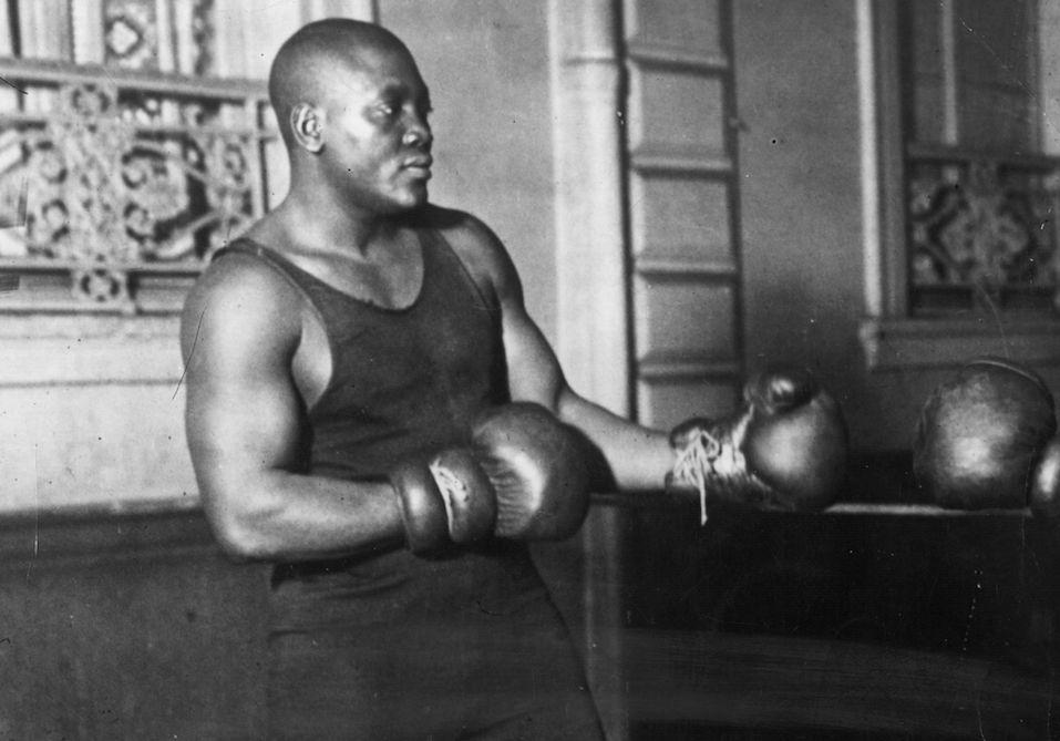 American heavyweight boxer Jack Johnson