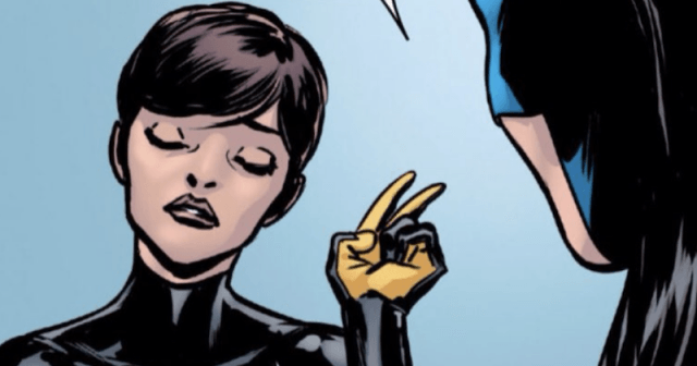 Janet van Dyne pointing two fingers.