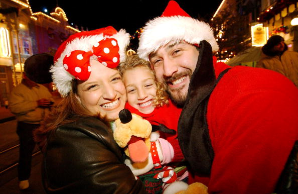 Joey Fatone poses with wife Kelly and daughter Briahna