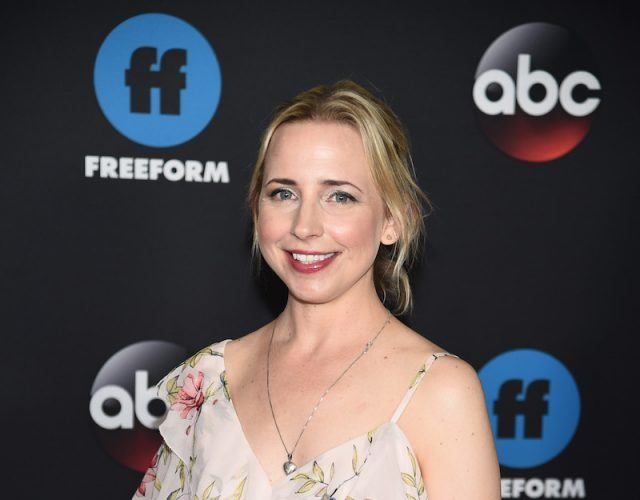 Lecy Goranson on a red carpet.