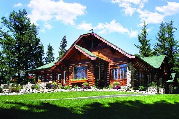 Outlook cabin exterior Fairmont Japer Park Lodge