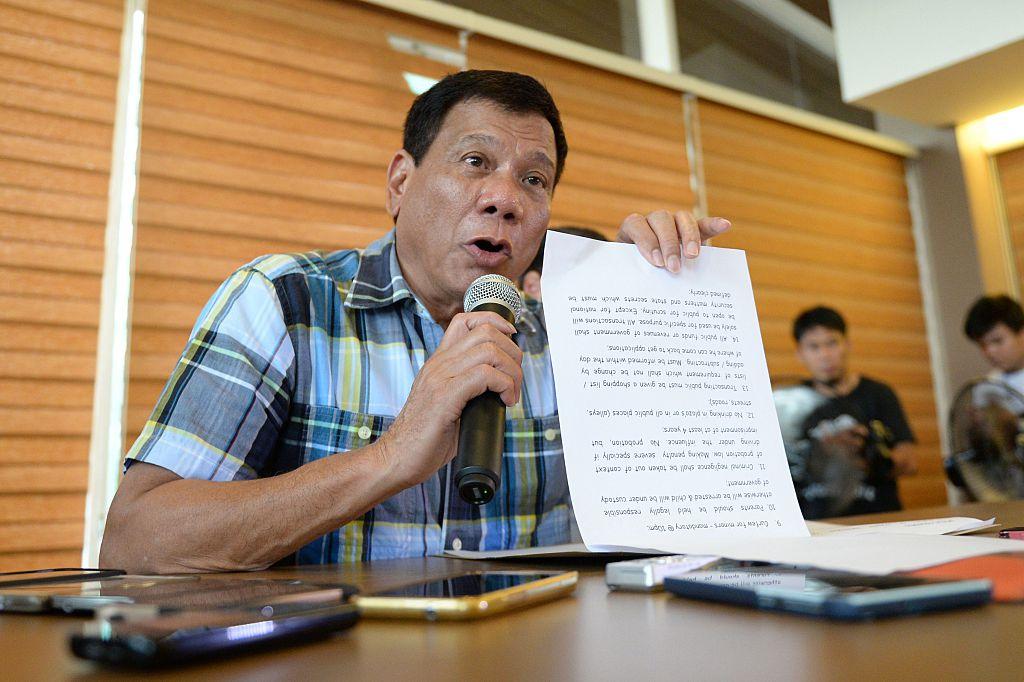Rodrigo Duterte gives a speech