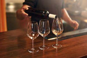 These Are the Healthiest and Unhealthiest Wines You Can Drink