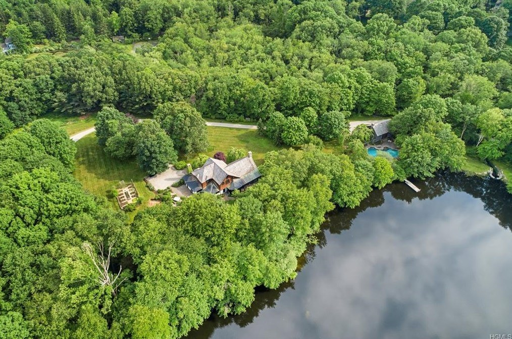 Tom Brokaw lake house