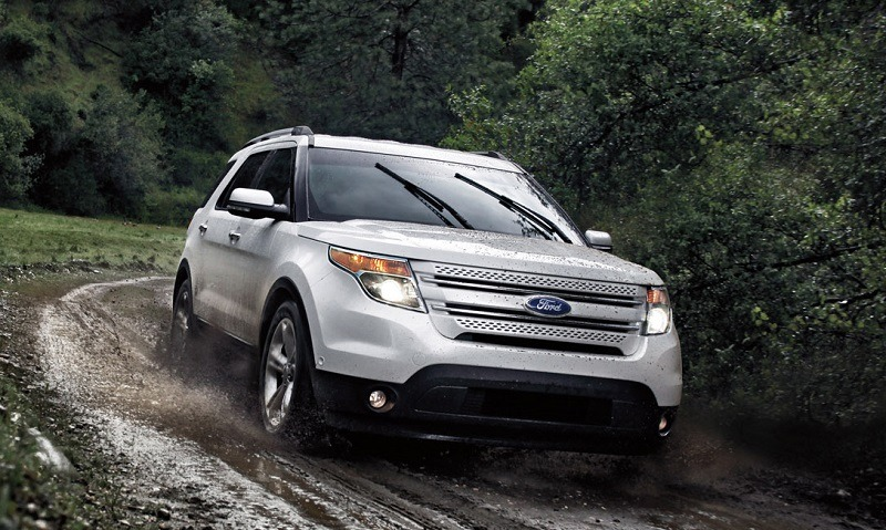 2013 Ford Explorer: The popular Ford SUV offers a choice between a 3.5-lter Ti-VCT V6 and a 2.0-liter EcoBoost® four-cylinder engines to deliver impressive fuel efficiency.